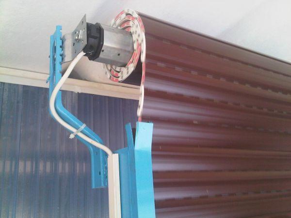 Come alzare una tapparella elettrica senza corrente